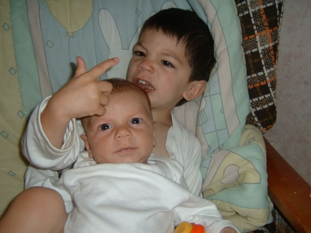 04 - Sibling